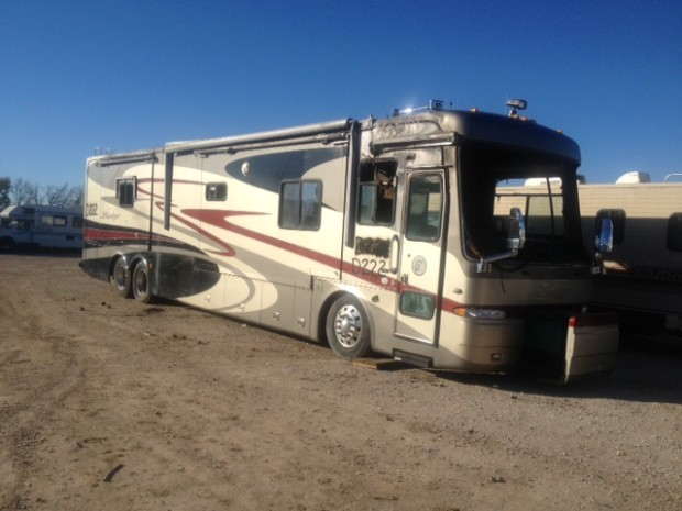 Simple  Tradition Motorhome RV Salvage PartsUsed Fleetwood Body Parts