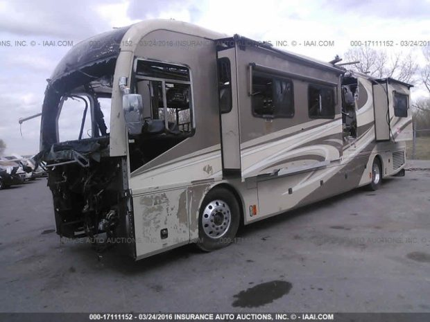 2007 Fleetwood RV Parts from Revolution LE Used Salvage Motorhome